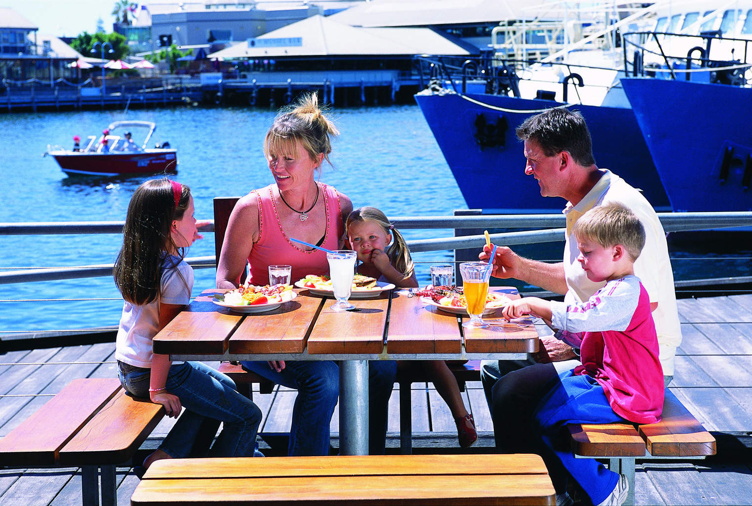Visit western australia 39 s perth travel pacific agency for Family fishing boats